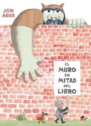 EL MURO EN MITAD DEL LIBRO